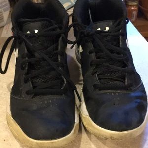 Youth Under Armour boys shoes